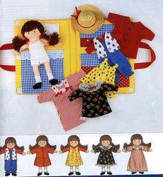armoire à poupée