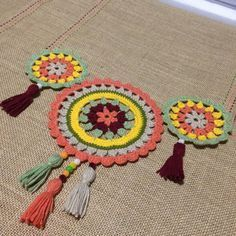 Timestamps DIY night light DIY colorful garland Cool epoxy resin projects Creative and easy crafts Plastic straw reusing ------. Motif Mandala Crochet, Crochet Motifs, Crochet Doilies, Crochet Flowers, Burlap Crafts, Diy And Crafts, Crochet Home, Knit Crochet, Knitting Patterns