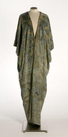 24-10-11  Mariano Fortuny (España, 1871-1949)   Túnica, 1910[ca]-1930[ca]