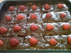 Bolo Gelado de Brigadeiro, uma receita deliciosa que você não pode perder, esse bolo é o preferido das minhas 3 filhas e da minha neta Lulu.  http://cakepot.com.br/bolo-gelado-de-brigadeiro/