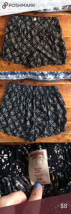 Mossimo Supply Co Loose print Shorts Mossimo Supply Co Loose Printed Fashion Shorts M, black and white, juniors Mossimo Supply Co. Shorts