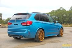 BMW performance expert Turner Motorsport has begun development on their new F85 BMW X5 M. With many enhancements yet to come soon, they've already equipped it with a 1.3-inch lowering kit from H&R and this gorgeous set of 21-inch Forgeline 1pc forged monoblock GT1 5-Lug wheels finished in Tinted Gold Transparent. See more at: http://www.forgeline.com/customer_gallery_view.php?cvk=1487 ‪#‎Forgeline‬ ‪#‎forged‬ ‪#‎monoblock‬ ‪#‎GT1‬ ‪#‎notjustanotherprettywheel‬ ‪#‎madeinUSA‬ ‪#‎BMW‬ ‪#‎X5M‬