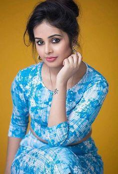 आम्ही मराठी मुली दिसतोच सुंदर..  #ShivaniRangole