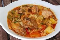 Tocanita de pui gradinareasca Romanian Food, Romanian Recipes, Thai Red Curry, Bacon, Food And Drink, Chicken, Meat, Cooking, Ethnic Recipes