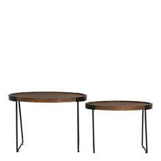 Bijzettafels Loja hout set. Bijzettafels Loja is een set van 2 die alleen compleet te verkrijgen is. Deze mooie bijzettafels zijn ook als salontafels te verkrijgen. Bijzettafels Loja hebben een mooi houten blad met zwart metalen pootjes. De wat grotere bijzettafel heeft als maat 48cm breed, 66,5cm diep en is 46 cm hoog. De wat kleinere bijzettafel Loja heeft als maat 42 cm breed, 57cm diep en is 36,5cm hoog. De bijzettafels zijn afkomstig van het merk Light & Living.
