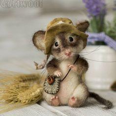 """616 Likes, 49 Comments - ⠀⠀⠀⠀⠀⠀⠀⠀⠀Наталья Кузнецова. (@art_wool) on Instagram: """"""""Увидев за окном яркое весеннее солнце, мышонок отыскал свою любимую шляпу, сложил что-то в сумочку…"""""""