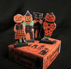Miniature 'vintage' Halloween figures