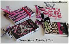 My next things to make:) Purse-Sized Note Pad using index cards & scrapbook paper with a binder ring. So cute & lots of possibilities Cute Crafts, Crafts To Make, Homemade Gifts, Diy Gifts, Crafty Craft, Crafting, Craft Show Ideas, Diy Purse, Pocket Letters