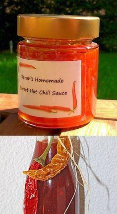 Süß - scharfe Chilisauce (selbstgemacht) Sehr, sehr lecker!! :-) http://mobile.chefkoch.de/rezepte/m426211133547334/Suess-scharfe-Chilisauce.html