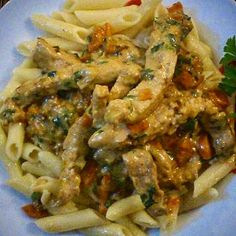 JeanneDôme: Chez Jeanne- Pennes with pork scaloppine and vegetables in creamy white sauce Penne, White Sauce, Creamy White, Pork, Sweets, Chicken, Meat, Vegetables, Recipes