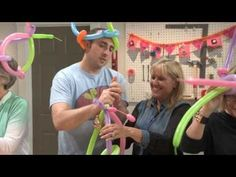 ▶ Balloon Hat - Threadbanger DIY Party - YouTube