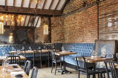 House of Wolf (London, UK) / In House Design - Restaurant & Bar Design Awards Banquette/tables Banquette Restaurant, Cafe Restaurant, Restaurant Design, Cafe Bar, Cafe Bistro, Pub Interior, House Of Wolves, Bar Design Awards, Pub Decor