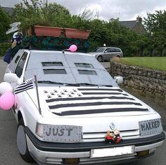 Bretagne et pots de fleurs pour cette Renault 21 blindée. Nombreuses photos de voitures balai sur la page.