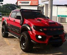 Ford Ranger w/ Raptor package Lifted Ford Trucks, 4x4 Trucks, Cool Trucks, Chevy Trucks, Cool Cars, Ford Ranger Raptor, Ford Raptor, Jeep Cars, Us Cars