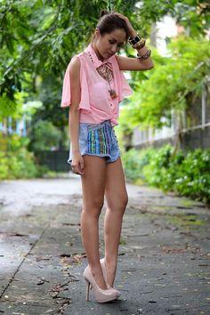 Shop this look on Kaleidoscope (blouse, shorts, pumps, necklace)  http://kalei.do/WEyi3r5OewBf9UdC