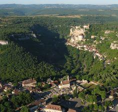 La Cité Médiévale de ROCAMADOUR (Lot) surplombant les Gorges de l'Alzou.