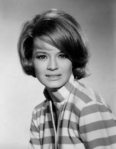 Angie Dickenson ne Angelica Brown, Klum ND, (1931-       ).  Actress.  German heritage.  Married to composer and musician Burt Bacharach from 1965-1981.  They had a daughter born 3-months prematurely who suffered visual impairment and Asperger's Syndrome.  She committed suicide by suffocation in 2007.