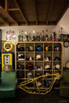 Convert Your Garage into a Man Cave - Man Cave Home Bar Man Cave Garage, Garage House, Garage Shop, Dream Garage, Motorcycle Workshop, Motorcycle Shop, Motorcycle Garage, Mechanic Garage, Dirt Bike Room