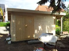 Garage Doors, Shed, Outdoor Structures, Outdoor Decor, Home Decor, Gera, Garden Gazebo, Windows And Doors, Homemade Home Decor