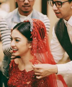 nikah by With iwomens you will get daily Beauty and Fashion Pictures & tips for womens. Indonesian Kebaya, Indonesian Wedding, Muslim Wedding Dresses, Wedding Gowns, Kebaya Moden, Kebaya Dress, Gold Wedding Theme, Daily Beauty, Bralette Bikini