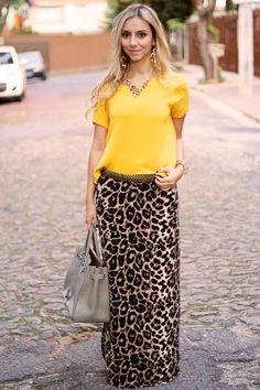 60 cool ways to style a leopard satin skirt 61 ~ Litledress - Women Outfits Long Skirt Outfits, Maxi Outfits, Modest Outfits, Chic Outfits, Fashion Outfits, Casual Dresses, Leopard Print Outfits, Animal Print Outfits, Animal Print Fashion