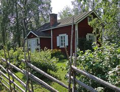 Just love these little Scandinavian cottages. Red Cottage, Cottage Living, Cozy Living, Scandinavian Cottage, Summer Cabins, Mansard Roof, Wooden Buildings, Swedish House, Hiding Places
