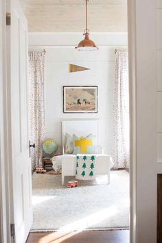 bright and rustic little boy room #bedroomdesign kids bedroom #sweetdesginideas modern design #kidsroom . See more inspirations at http://www.circu.net