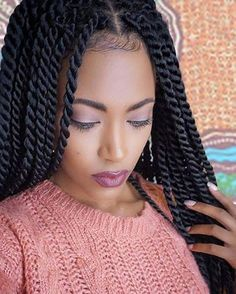 Senegalese Twist Hairstyles is a greatly popular twisted and braided hairdo worn by the african american dark women with updo, ponytail, color, bun etc. Box Braids Hairstyles, Natural Bun Hairstyles, Marley Twist Hairstyles, Senegalese Twist Hairstyles, Classic Hairstyles, Crochet Hair Extensions, Synthetic Hair Extensions, Braid In Hair Extensions, Black Makeup Looks