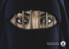 International Society for Human Rights: Burka. Stop the oppression of women in the Islamic world. (Not sure about the organization, but I liked the picture) Creative Advertising, Social Advertising, Advertising Ideas, Print Advertising, Saudi Men, Maleficarum, Service Public, Arabian Women, International Society