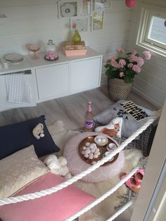 Leikkimökki sisältä Play Houses, Toddler Bed, Furniture, Home Decor, Child Bed, Decoration Home, Room Decor, Home Furnishings, Dollhouses