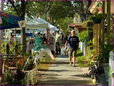 The Gulfport Art Walk takes place every 1st Friday and 3rd Saturday of the month from 6pm-10pm.