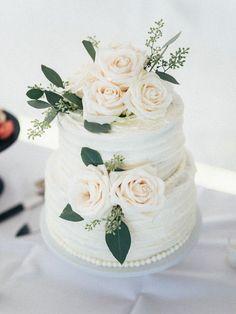 white two tier wedding cake http://trendybride.net/windemere-farms-towanda-kansas-wedding/ {trendybride} #FarmWeddingIdeas