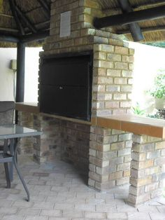 Stout upright built-in Braai areas