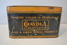 Vintage Crayola Tin! This would look so good on my shelf next to my old cameras.