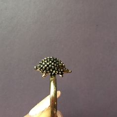 like new, gold and super cute, excellent condition:) Jewelry Rings Hedgehogs, Belly Button Rings, Jewelry Rings, Super Cute, Unique, Gold, Things To Sell, Ring, Belly Rings