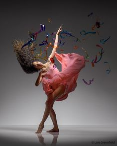 Spectacular Photos of Dancers in Motion by Lois Greenfield #art #photography #Portrait Photography