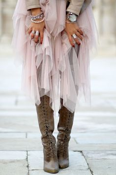 Street style | Pastel tulle and lace up boots
