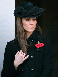 Remembrance Sunday: Kate Middleton at Whitehall as Queen leads the nation in honouring the fallen Kate Middleton Photos, Kate Middleton Style, Camilla Duchess Of Cornwall, Duchess Of Cambridge, Prince William And Kate, William Kate, Prince Charles, Duchesse Kate, Princesse Kate Middleton