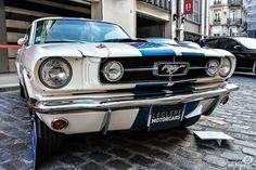 Ford Mustang à la vente Leclère à Drouot. Reportage : http://newsdanciennes.com/2016/10/27/vente-leclere-les-anciennes-descendent-dans-la-rue/