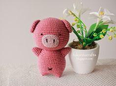 Розовый поросенок амигуруми от Fukurou Crafts.   [Ссылка...]  на описание…