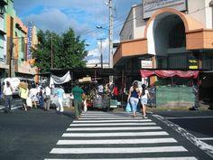 Busy street scene in downtown San Salvador.