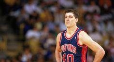 Bill Laimbeer : L'équipe des Detroit Pistons de la fin des années 80 (Thomas, Mahorn, Laimbeer, Aguirre…) aurait pu, dans son ensemble, figurer dans ce diaporama. Mais puisqu'il ne faut en retenir qu'un seul parmi la galaxie de « sales types » des doubles champions NBA 89 et 90, alors Bill Laimbeer s'impose naturellement.
