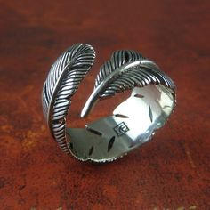 Feather Ring White Bronze Feather Ring Silver por LostApostle