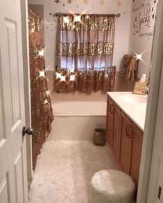 Small Bathroom Vanities, A small bathroom does not suggest that you have to bypass sophistication and style. You can discover a bathroom sink vanity for your little restroom, which will help gather your design. Dream Bathrooms, Dream Rooms, Girl Bathrooms, My New Room, My Room, Small Bathroom Vanities, Bathroom Ideas, Gold Bathroom, Girl Bathroom Decor