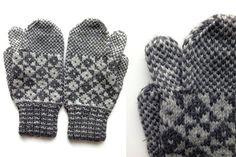 Newfoundland Trigger Finger Mittens Knitted Mittens Pattern, Sweater Mittens, Knitted Gloves, Knitting Patterns Free, Free Knitting, Free Pattern, Finger Knitting, Knitting Socks, Knit Socks