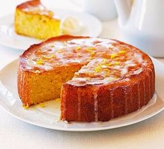 Try our lemon drizzle cake recipe. This easy lemon cake recipe is an easy round lemon drizzle cake recipe. Make our easy and moist lemon drizzle cake recipe Slimming World Cake, Slimming World Desserts, Slimming World Chocolate Cake, Slimming Recipes, Slimming Workd, Slimming World Puddings, Gluten Free Cakes, Gluten Free Baking, Gluten Free Recipes