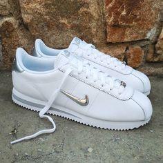 "Nike Cortez Basic Jewel ""White Silver"" Size Man - Precio: 89 (Spain Envíos Gratis a Partir de 99) http://ift.tt/1iZuQ2v #loversneakers #sneakerheads #sneakers #kicks #zapatillas #kicksonfire #kickstagram #sneakerfreaker #nicekicks #thesneakersbox #snkrfrkr #sneakercollector #shoeporn #igsneskercommunity #sneakernews #solecollector #wdywt #womft #sneakeraddict #kotd #smyfh #hypebeast #nike #airmax #nikeair #cortez #nikecortez"