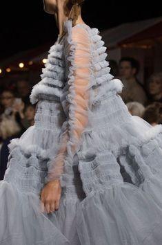 If a cloud were a dress