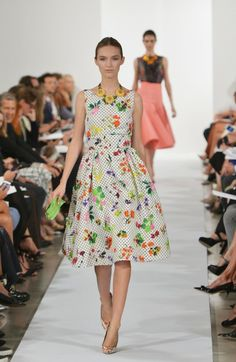"New York Fugshion Week: Oscar de la Renta Oscar De La Renta - Runway - Mercedes-Benz Fashion Week Spring 2014 – ""dot-calm"""