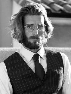 Hair And Beard Styles, Curly Hair Styles, Toms, Yennefer Of Vengerberg, Classy People, Hair Tattoos, Photography Poses For Men, Hair Reference, Long Curly Hair